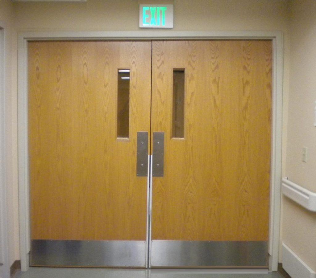 citizenrod bad design fire exit door handle push pull