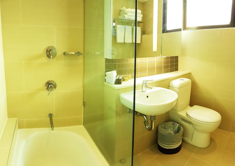 citizenrod bad design hotel bath view